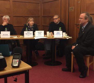 Diskuse o médiích veřejné služby